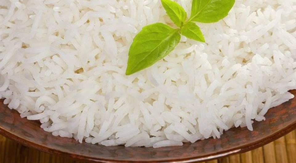 Como fazer arroz branco simples
